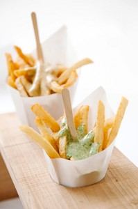 Frites with our Signature Mayos